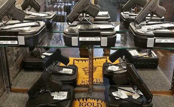 Guns_Glory_Handgun